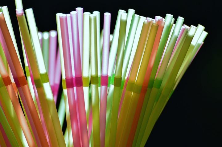 recycler des pailles de plastique