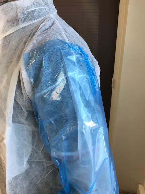 Manchettes plastiques protection personnel médical contre le Coronavirus